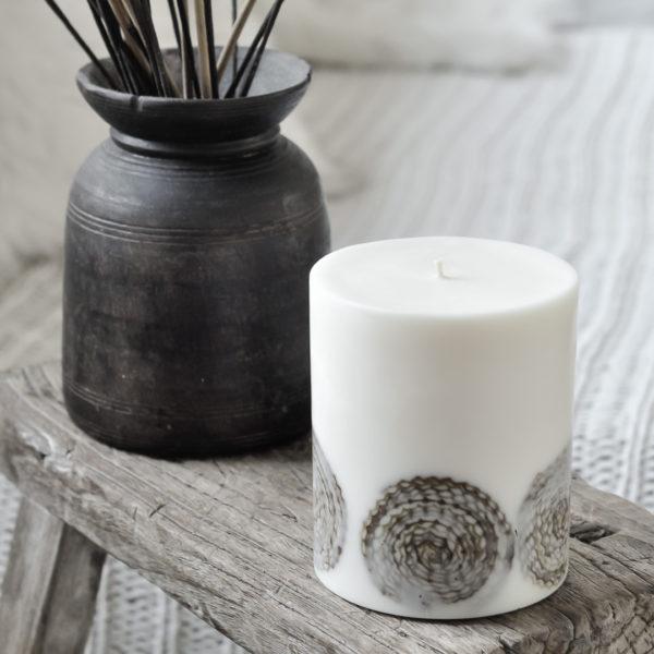 unikalna, duża ekologiczna świeca owalna, z okrągłym wzorem z wosku pszczelego