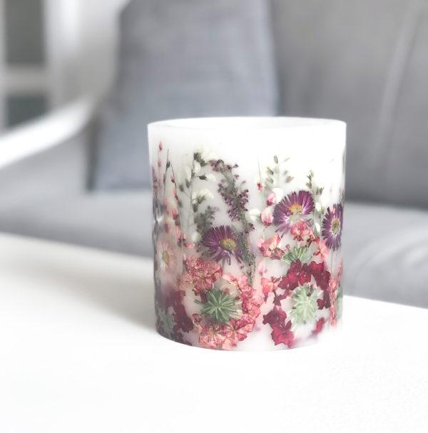 lampion z parafiny z suszonymi, kolorowymi kwiatami - osłonka na tealighty