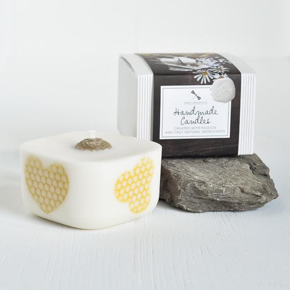 naturalna, sześcienna świeca wolnostojąca z wosku sojowego i pszczelego