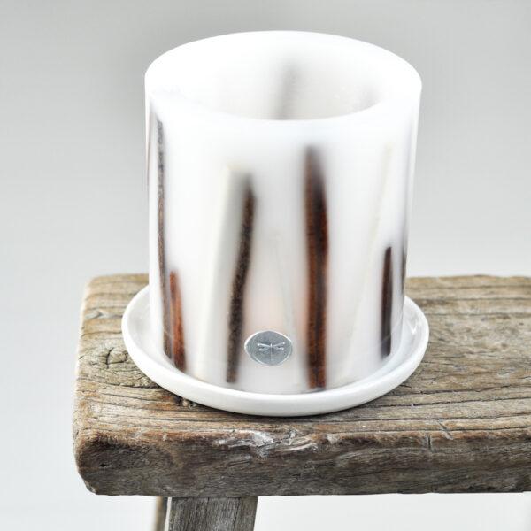 ręcznie tworzony lampion parafinowy z zatopionym w ściankach cynamonem - osłonka na podgrzewacze